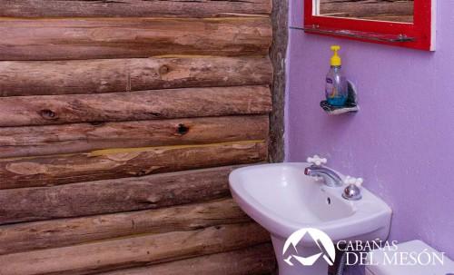 Las Cabañas del Mesón Valle del Sol, Potrerillos, Mendoza, en plena Cordillera de los Andes. Los invitamos a compartir un paisaje de ensueños donde sobresale la naturaleza en su estado mas puro y donde el descanso y la tranquilidad serán su compañia.